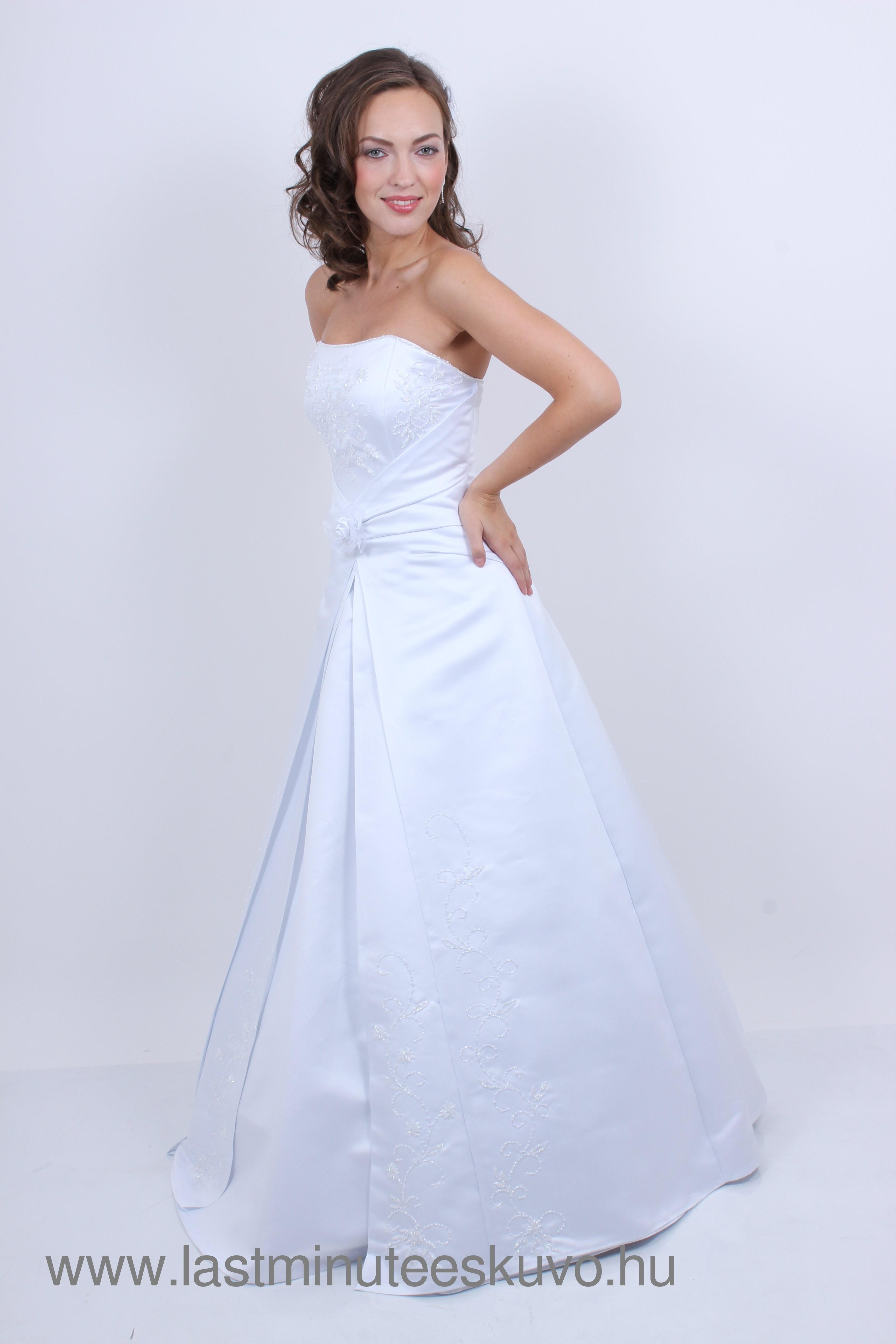 d39efc88c3 Olimpia menyasszonyi ruha | Lastminute Esküvő Webshop